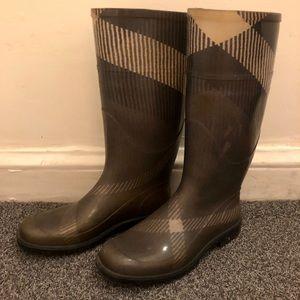 Burberry Rain Boots Grey Plaid